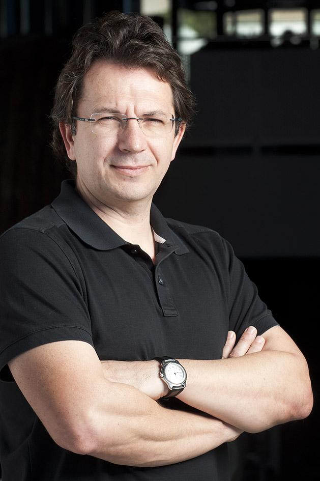 Portrait of Raúl Méndez